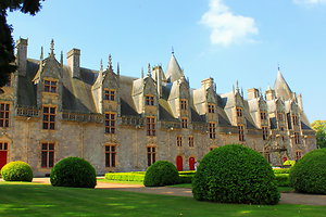 Attractions & activities . josselin